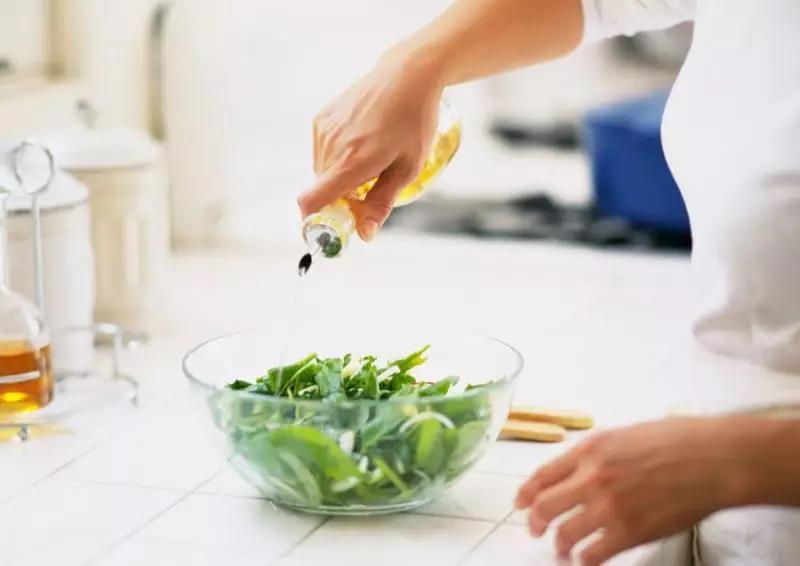 今天你超标了吗?∣成人每日食用油摄入限量25克