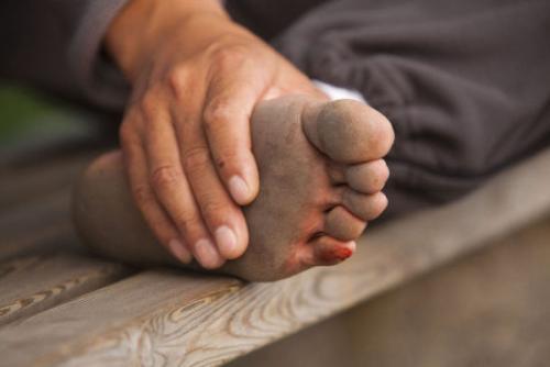 天气渐凉,最近你是否感觉单脚发凉?如果